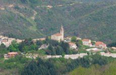 vue sur le village de STADV©OTI Aubenas-Vals G CROUZOULON (1bis 800pix)