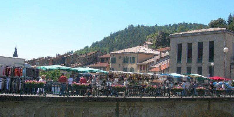 Marché de Vals les Bains
